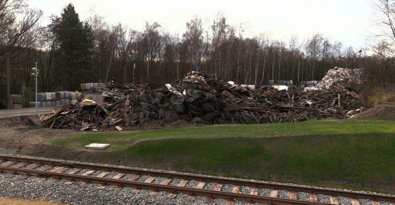 Pożar składowiska odpadów w Jaworznie ugaszony. Jak do niego doszło?