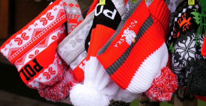 Sprzedawcy sportowych i góralskich pamiątek w Wiśle już czekają na Puchar Świata w skokach narciarskich i zacierają ręce na zyski