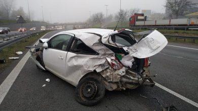 Śmiertelny wypadek na A4 w Katowicach. Są ZDJĘCIA z miejsca tragicznego wypadku. Z osobówki mało co zostało! (fot.KWP Katowice)