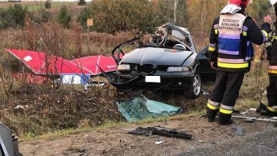 Koszmarny wypadek w Zawierciu! Osobowy Seat na łuku drogi wyleciał z zakrętu i zderzył się z ciężarówką. Wszystkie 3 młode osoby jadące Seatem nie żyją! (fot. https://www.facebook.com/Zawiercie112)