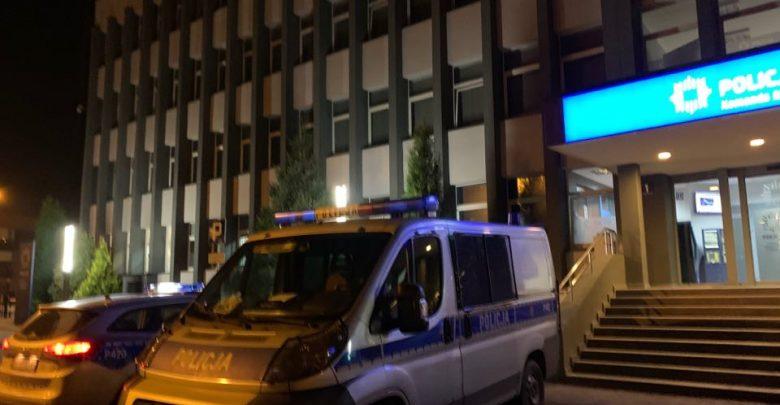 Krwawa awantura w Jaworznie! 18-latek zaatakował nożem niemal całą rodzinę - swoją matkę, babcię i 12-letniego brata! (fot.Paweł Jędrusik)
