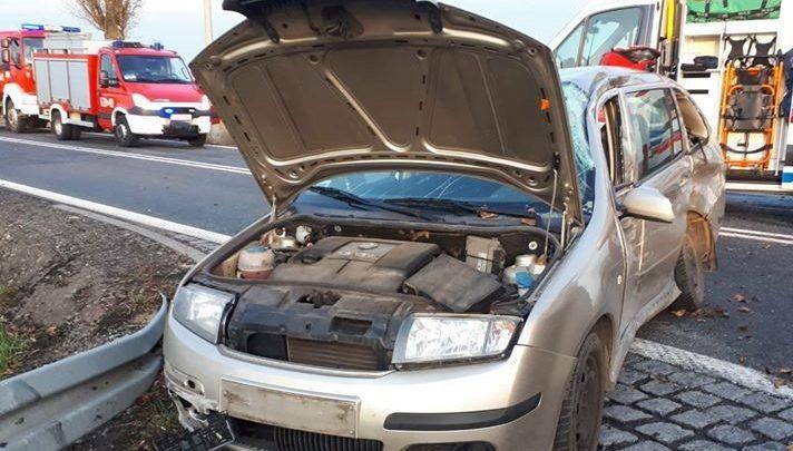 Śląskie: Tragiczny wypadek na DK78. 19-latek walczy o życie (źródło: Fasthol pomoc drogowa i Będzin 112)