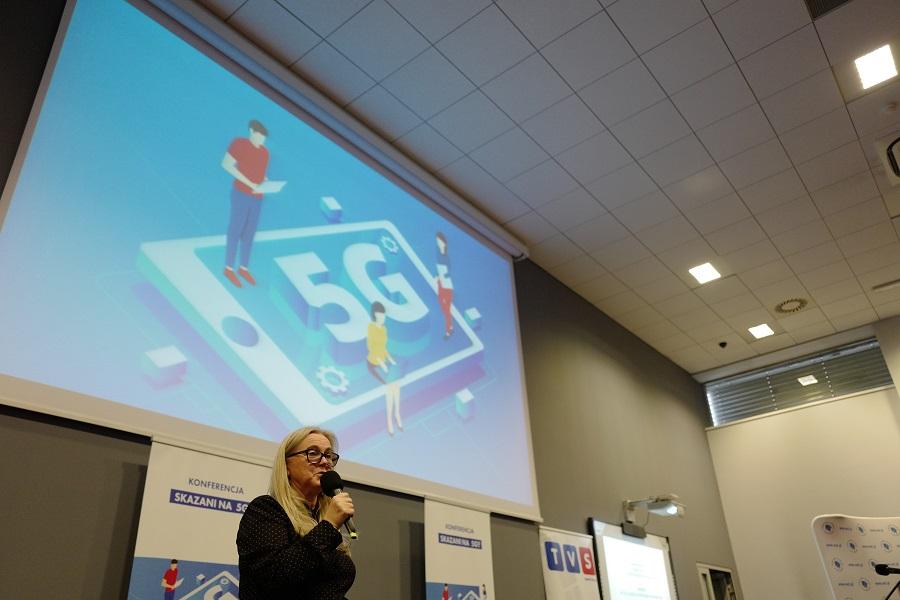 W trakcie konferencji mówiono między innymi o aspektach prawnych 5G, czy zastosowaniu sieci w medycynie