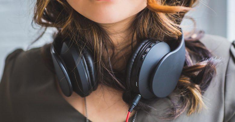 Katowice: 19-latka zginęła potrącona przez tramwaj. Miała słuchawki w uszach! (fot.Pixabay.com)