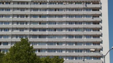 Na balkonie Superjednostki w Katowicach zauważono mężczyznę z bronią długolufową. Natychmiast wezwano policję. Trwa akcja przeszukiwania potężnego budynku