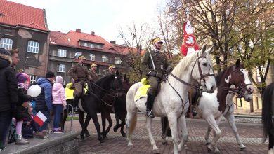 Katowice uczciły Święto Niepodległości. Defilada, salwa honorowa i Ułani Śląscy na 11 listopada