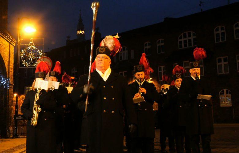 Barbórkowe obchody niestety z roku na rok na Śląsku i w Zagłębiu coraz skromniejsze. Ale Nikiszowiec to wciąż bastion górniczej tradycji