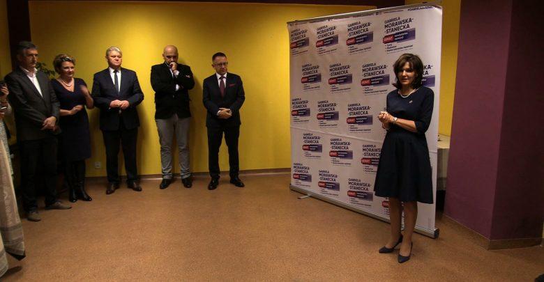 Dzisiaj swoje biuro w Tychach otworzyła wicemarszałek senatu Gabriela Morawska-Stanecka. W jej biurze mieszkańcy będą mogli korzystać między innymi z darmowych porad prawnych