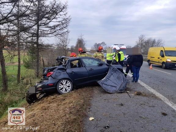 Zdjęcia wypadku, do jakiego doszło na trasie S1 w Tychach przyprawiają o ciarki! (fot.www.112tychy.pl)