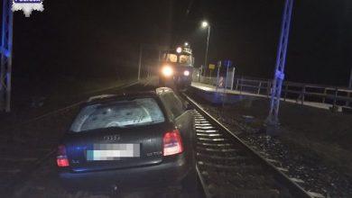 Spał w samochodzie na przejeździe kolejowym. Miał prawie dwa promile (fot. Policja Lubelska)