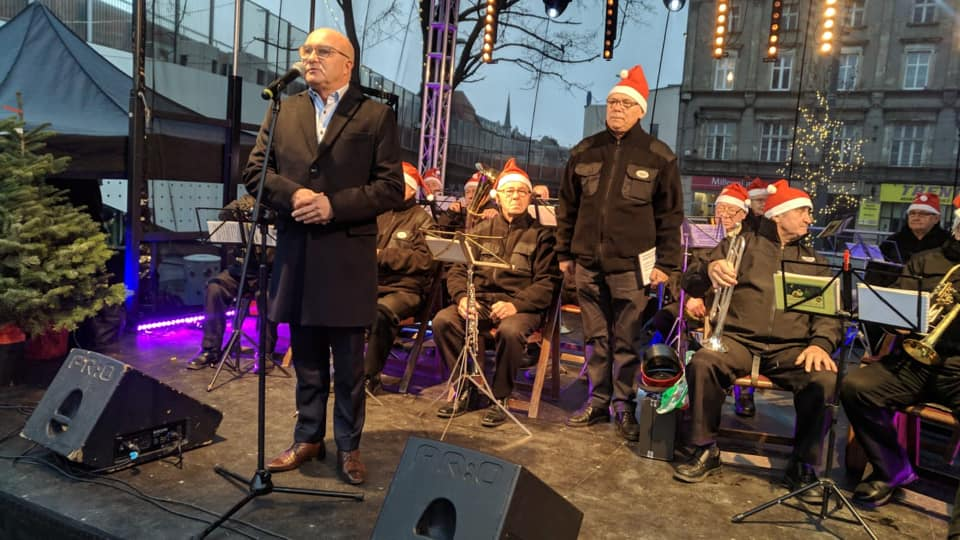 Chorzowski Jarmark Bożónarodzeniowy otworzył uroczyście prezydent miasta, Andrzej Kotala