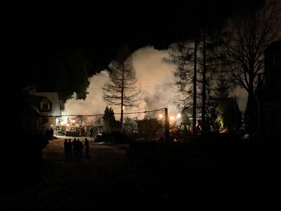 4 dorosłych i 4 dzieci pod gruzami? Walka z czasem i dramatyczna akcja ratunkowa w Szczyrku po wybuchu gazu! (fot.Paweł Jędrusik)