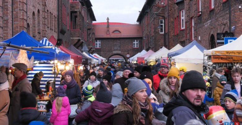 Katowice: Niesamowity jarmark w Nikiszowcu [WIDEO]