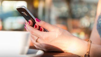 Śląskie: Odebrała telefon i pieniądze zostawiła na chodniku. 60-latka straciła 70 tysięcy złotych (fot.poglądowe/www.pixabay.com)
