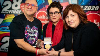 To może być rekordowa aukcja! Olga Tokarczuk oddała noblowski medal na WOŚP! (fot.WOŚP)