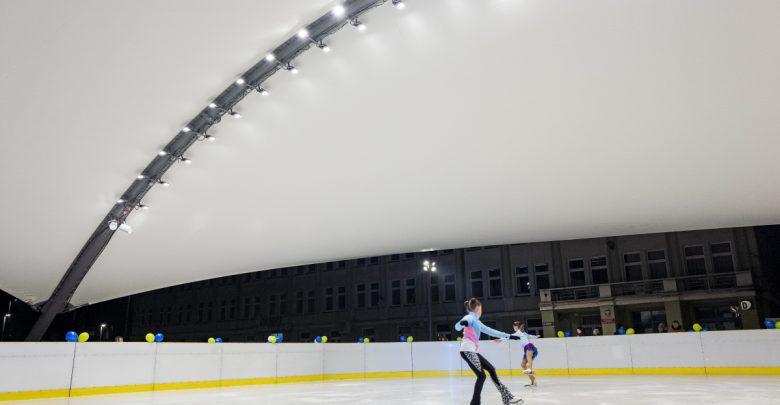 W Jaworznie otwarto nowe lodowisko