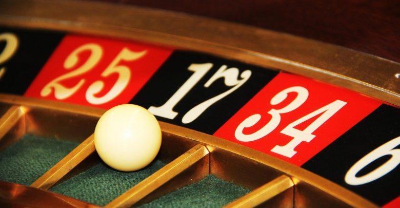 Hazard i różne jego formy towarzyszą ludziom od wieków. Dlaczego tak wiele osób umiłowało sobie tę dziedzinę życia (fot.poglądowe - pixabay.com)