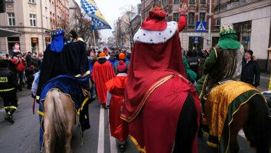 Tysiące katowiczan uczciło dzisiaj święto Trzech Króli, maszerując sprzed Archikatedry Chrystusa Króla w barwnym orszaku