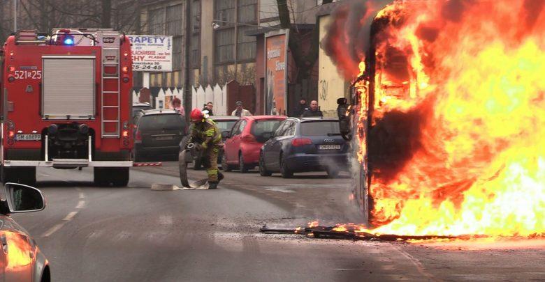 Groźny pożar autobusu w Mysłowicach! [WIDEO]