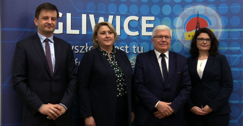 Władze Gliwic już w komplecie. Prezydent Adam Neumann przedstawił swoich zastępców