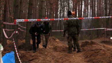 Bieruń: Szczątki pilotów bombowca już wydobyte. Teraz archeolodzy chcą wykopać samolot