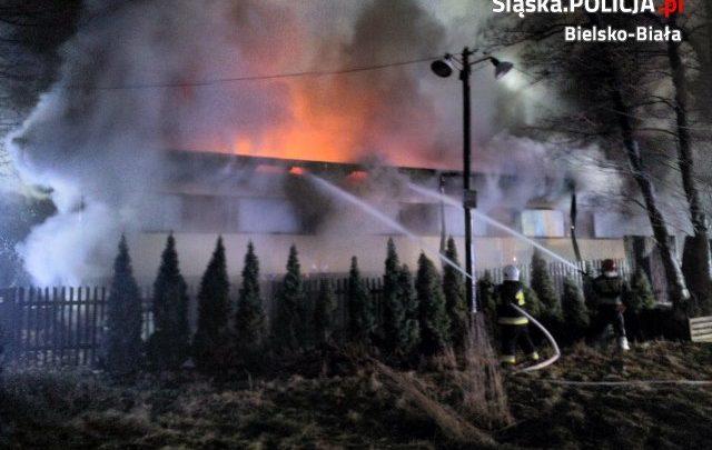 Śląskie: Pożar w zakładzie produkcyjnym w Buczkowicach [ZDJĘCIA] (fot.Śląska Policja)