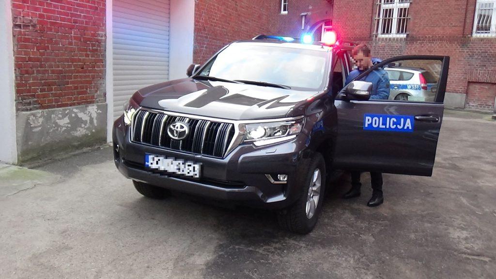 Nowy radiowóz w wersji nieoznakowanej kosztował blisko 200 tysięcy złotych. Zakup auta sfinansowała Komenda Główna Policji