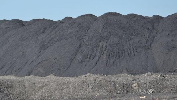 zwały węgla