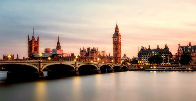 Jak wysłać paczkę do Anglii i nie zbankrutować? (fot.pixabay.com)