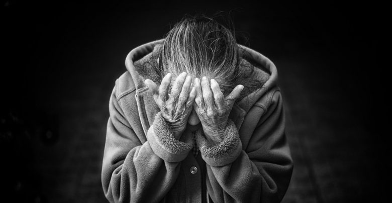 Uwierzyła fałszywemu synowi, policjantowi i prokuratorowi. Mieszkanka Zabrza straciła 50 tys. złotych i 4 tys. euro (fot.poglądowe/www.pixabay.com)