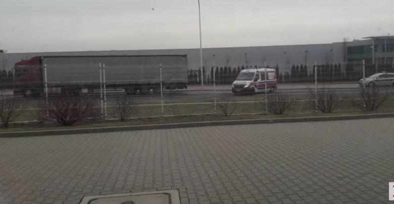 Epidemia koronawirusa: Kierowca ciężarówki zabrany do szpitala! Podejrzenie koronawirusa! (fot.youtube.com/Lublin112)