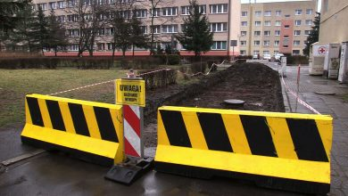 Katowice: Jedna spółdzielnia wykopała potężną dziurę, żeby drogą nie jeździli członkowie innej spółdzielni!