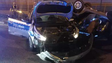 Staranowali dwa radiowozy i bramki na autostradzie A1. Sprawcy napadów na sklepy wpadli podczas policyjnej obławy [ZDJĘCIA] (fot.policja.pl)