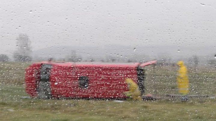 Wypadek busa na autostradzie A4. Zobacz ZDJĘCIA