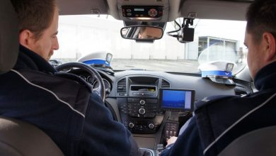 Cieszyn: 18-latek przekroczył swoim BMW prędkość o prawie 100 km/h. Miał 1 promil