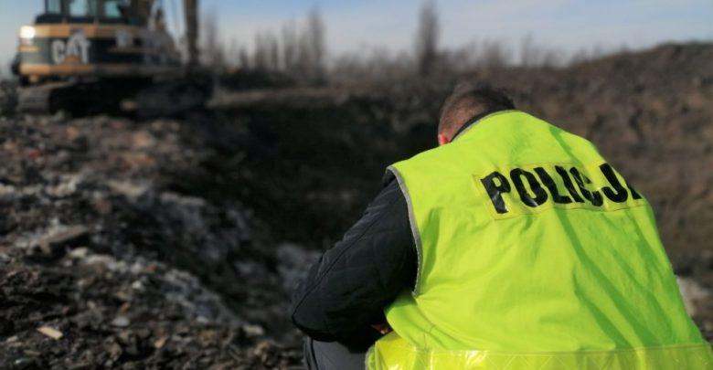Zabrze: Złapani na gorącym uczynku! Policja uniemożliwiła powstanie dzikiego wysypiska! (fot.KMP Zabrze)