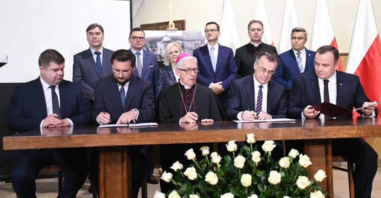 Panteon Górnośląski powstaje w Katowicach. Premier Morawiecki przyjechał na podpisanie umowy (fot.slaskie.pl)