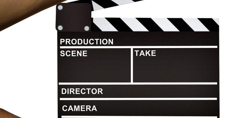 Roman Polański jest bardzo znanym polskim reżyserem z dość bardzo kontrowersyjną przeszłością i zarzutami w sprawie pedofilii. Teraz przed kolejną galą rozdania nagród filmowych, na której jego film dostał 12 nominacji trwa protest. [fot. www.pixabay.com]