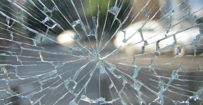 Okropny wypadek w Zawierciu! Przechodzącą przez jezdnię kobietę - prawdopodobnie w niedozwolonym miejscu - uderzył samochód (fot.poglądowe - pixabay.com)
