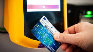 Nowe, dotykowe kasowniki zainstalowano w tyskich autobusach. Za bilet uprawniający do przejazdu można zapłacić kartą. (fot. UM Tychy)