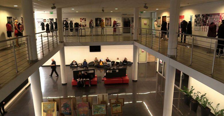 Uczelnie wyższe na Śląsku zamknięte przez koronawirus. Na WST nauka przez internet