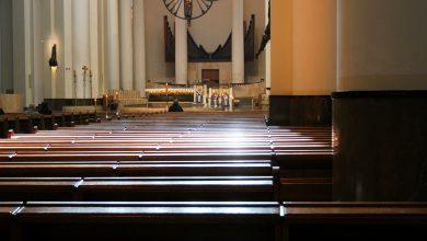 Katowice: Koronawirus opustoszył śląskie kościoły. Msze przy niemal pustych ławkach