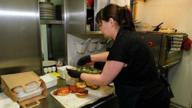 Robią jedzenie dla lekarzy i ratowników! Śląskie bary i restauracje pomagają walczącym z koronawirusem
