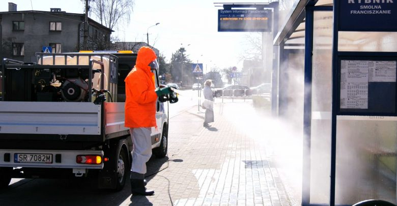 Epidemia koronawirusa: Wszystko do dezynfekcji? Miasta ruszyły ze specjalnymi opryskami