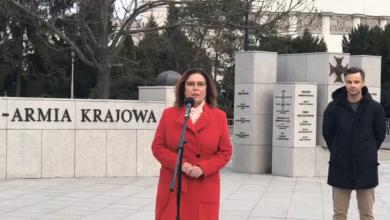 Małgorzata Kidawa-Błońska źródło: Małgorzata-Kidawa-Błońska facebookzawiesza kampanię i wzywa do bojkotu wyborów!