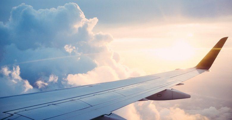 Jedna z pasażerek podróżujących do Polski samolotem linii Ryan Air była zarażona koronawirusem. [fot. www.pixabay.com]