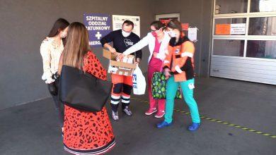 Studenci WST w Katowicach uszyli maseczki dla lekarzy. Trafiły już do Chorzowa