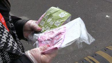 Wolontariusze Żorskiego Patrolu Obywatelskiego wyszli na ulice i rozdają darmowe maseczki