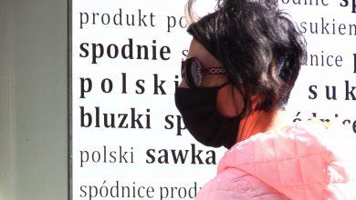 Seniorzy w Katowicach dostaną maseczki za darmo! Gdzie je dostać? LISTA MIEJSC