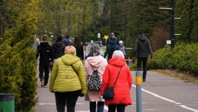 Weekend bez zakazów: Tłumy szturmują parki! W Parku Śląskim gęsto!